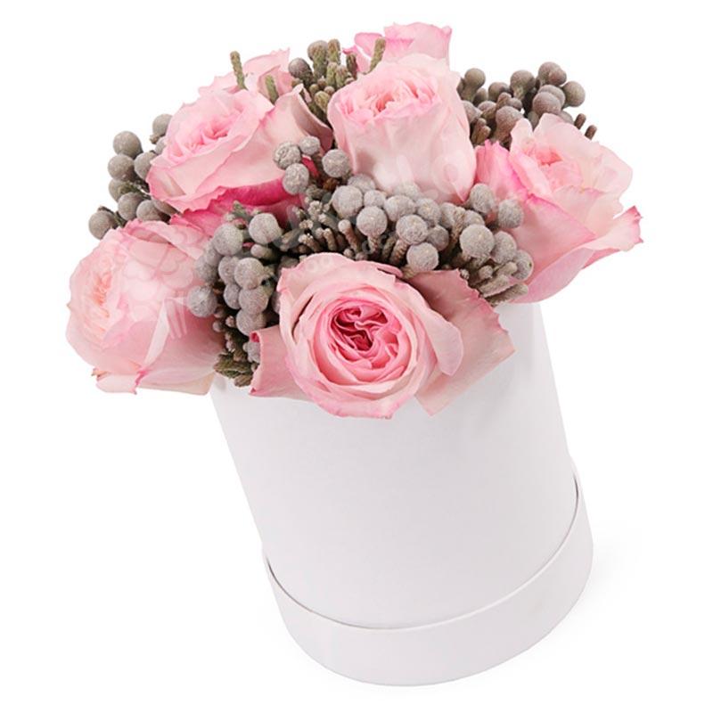 Цветы в коробке «Малиновый пломбир»