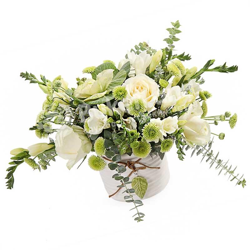 Цветы в шляпной коробке «Чико»