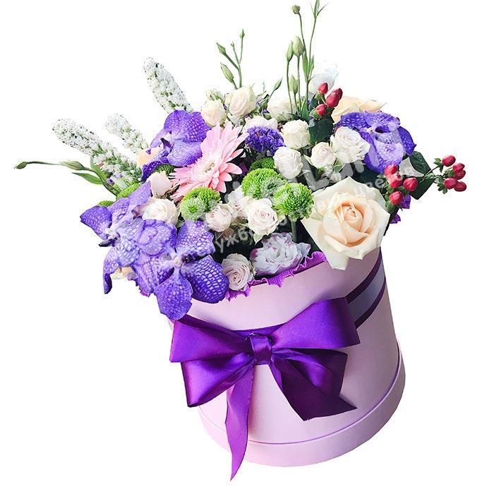 Цветы в шляпной коробке «Джулия»