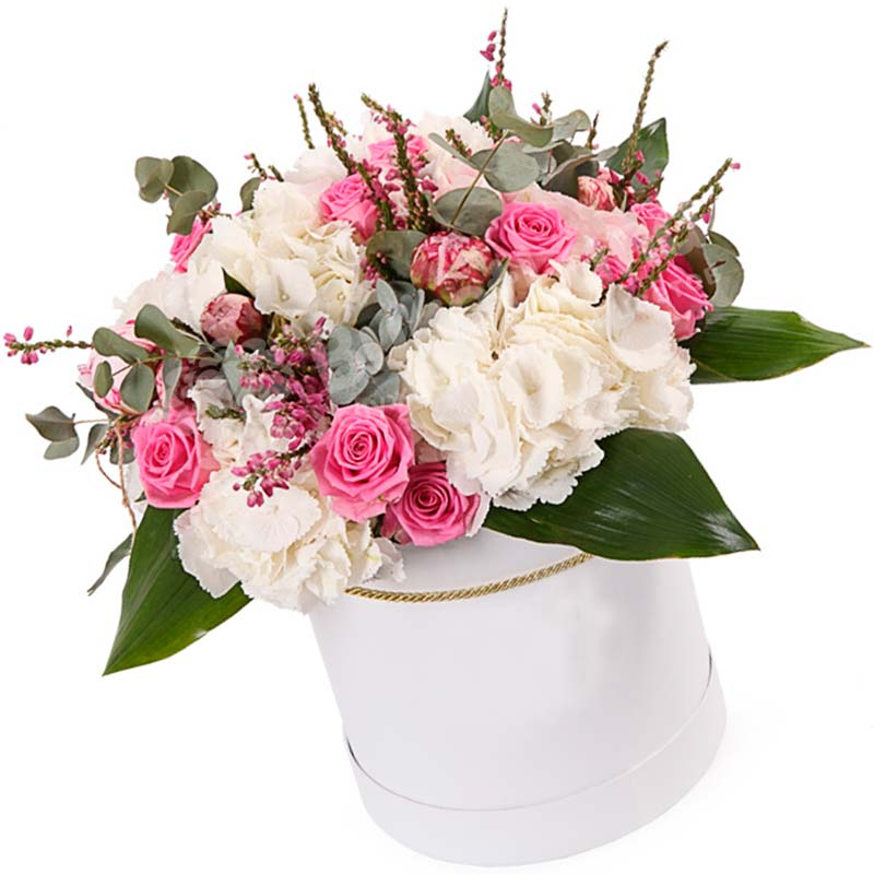 Цветы в шляпной коробке «История любви»