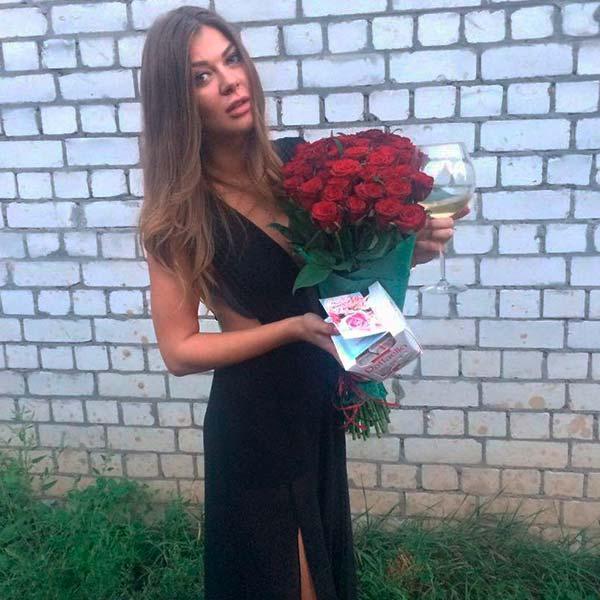 51 красная роза Гран При 60 см