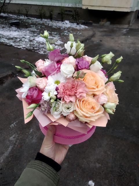 Фотография доставки цветов в Запорожье